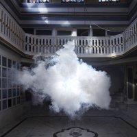 Kunstenaar maakt levensechte wolken